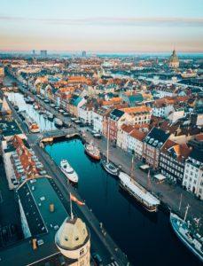 Dies ist eine Übersicht und Einordnung der zehn größten Unternehmen Dänemarks inkl. Tabelle am Ende