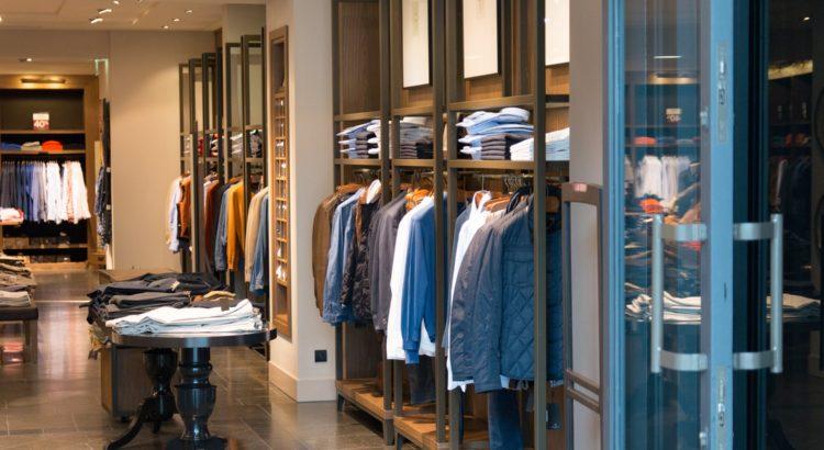 Dies ist eine Übersicht der zehn umsatzstärksten Bekleidungseinzelhändler der Welt mit TOP 10 Tabelle