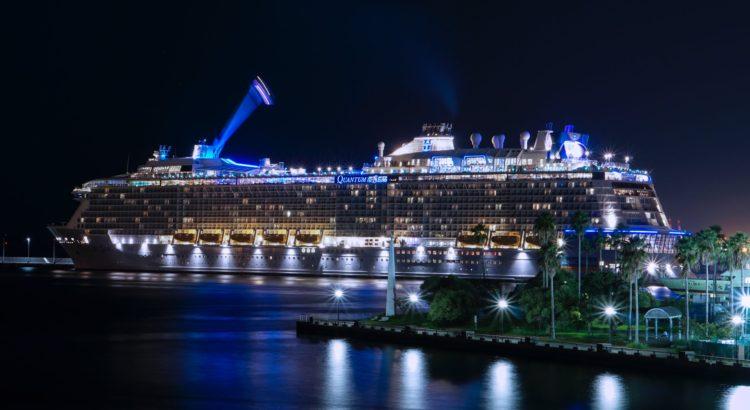 Die TOP 10 der wertmäßig größten Exportländer von Kreuzfahrtschiffen. Mit Tabelle und Erklärung.