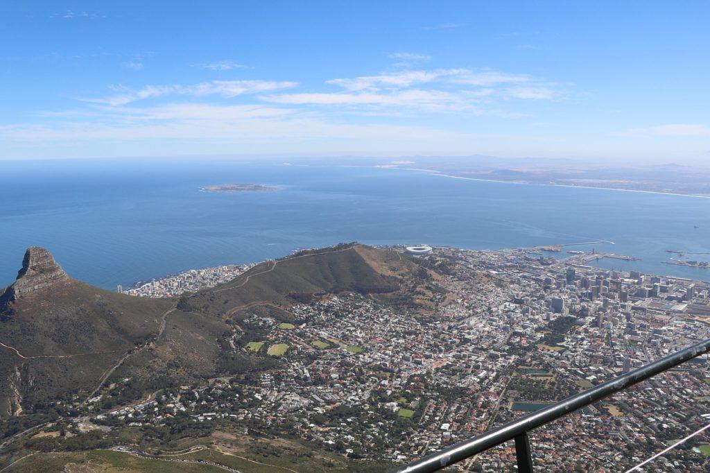 Dies ist eine Übersicht der zehn größten Unternehmen Südafrikas gemessen am Umsatz. Samt TOP10-Tabelle.