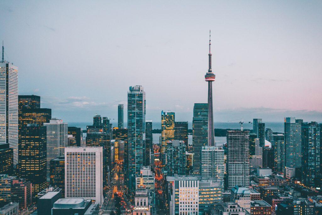 Dies ist eine Übersicht der zehn umsatzstärksten Unternehmen Kanadas samt Tabelle und Erklärung