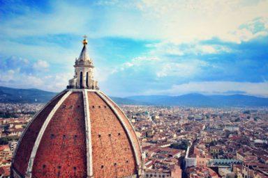 Dies eine Übersicht der zehn umsatzstärksten Unternehmen Italiens samt TOP10-Tabelle