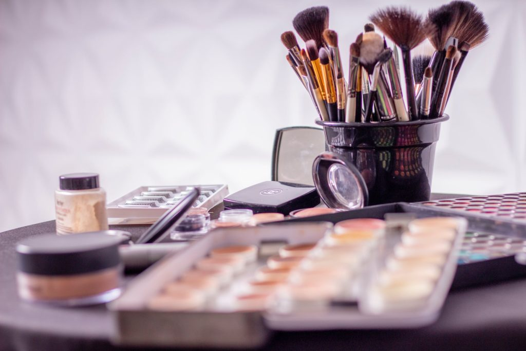 TOP10 of the top ten exporters of make-up and beauty care products by country 2018